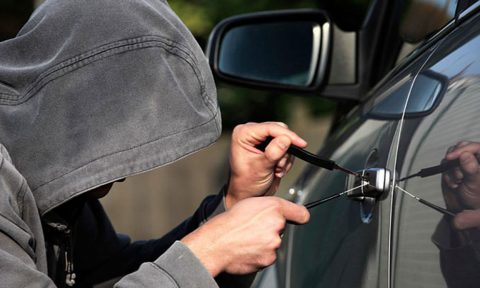 Takut Alarm Tidak Berfungsi Ketika Mobil Dicuri Saat Parkir?